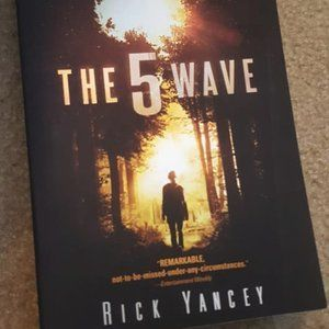 The 5th Wave Paperback YA Book